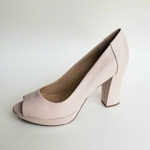 New! Beautiful! NATURALIZER Amie Heels 9
